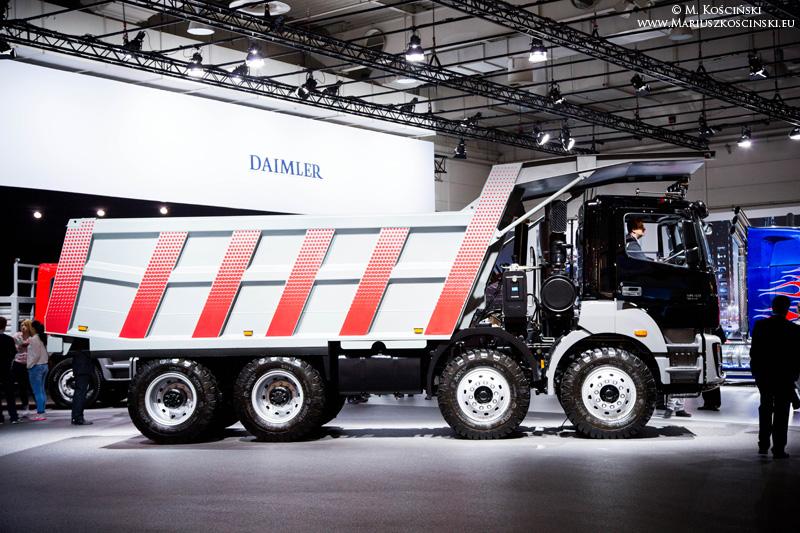 bharatbenz truck  36581_4aab39a6589f60051d9e744a0a28f608fa807c73